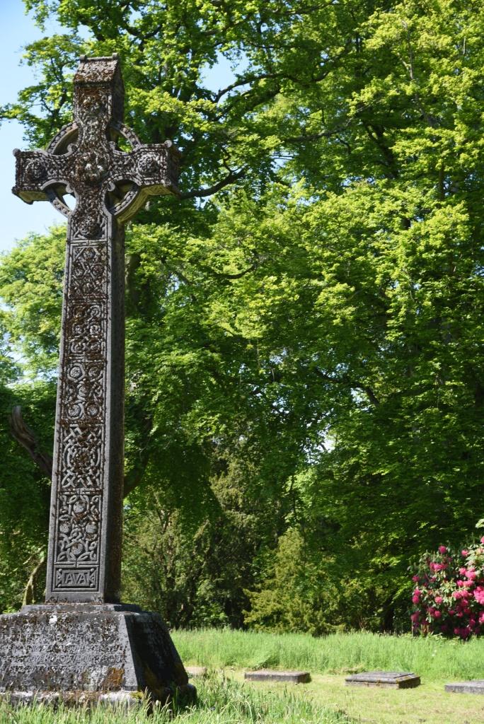 Dufferin graves Celtic cross