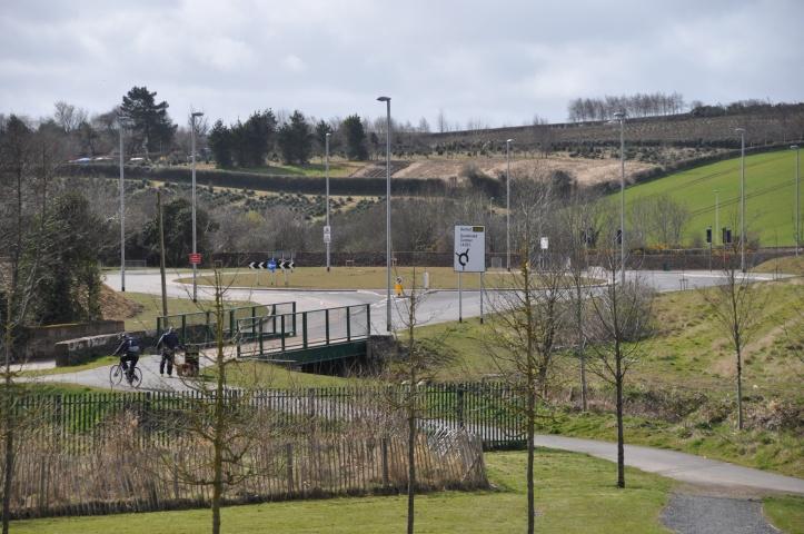 Millmount Rd roundabout bridges