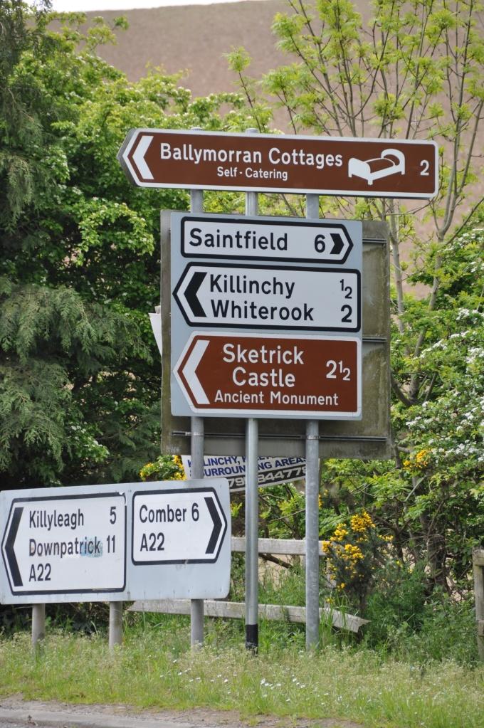 Balloo signposts
