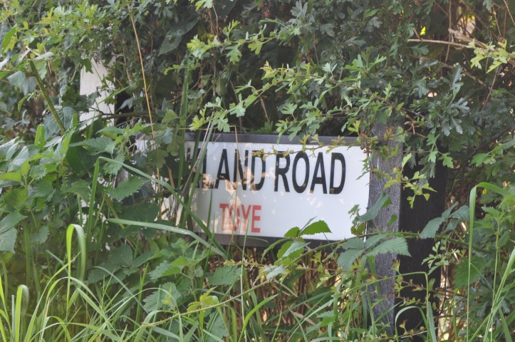 kirland road Toye sign