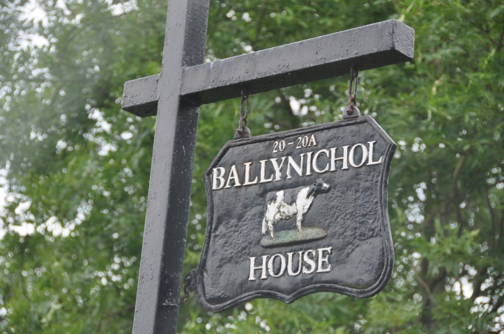 Ballynichol House sign