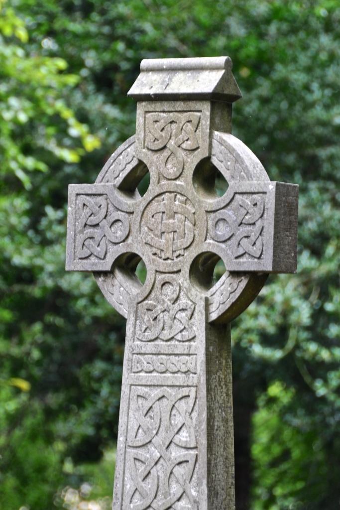 Celtic Cross Killsuggan graveyard