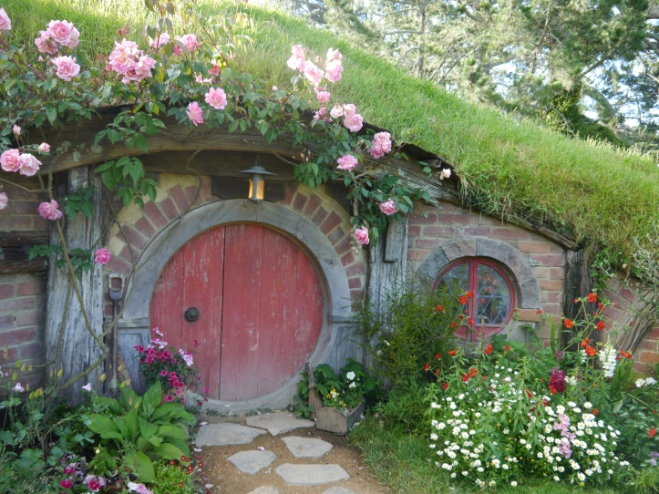 Hobbiton red door