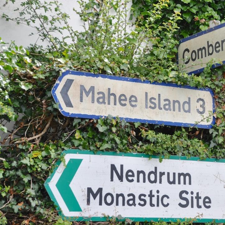 Mahee Island sign