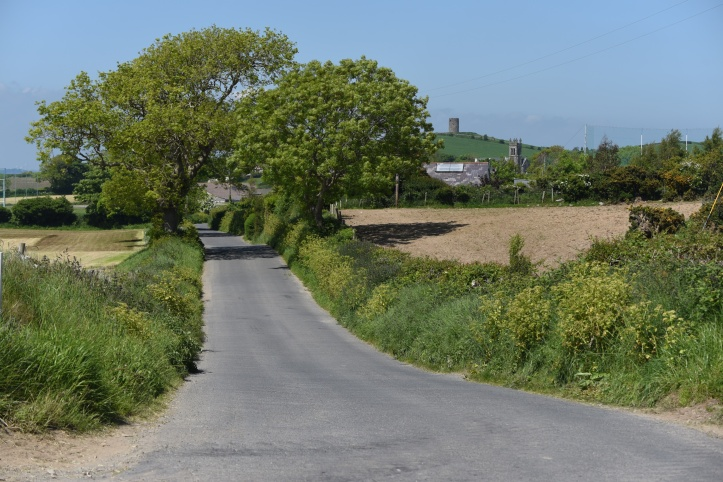 ballyfounder-road-through-ballynichol
