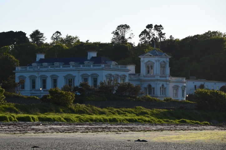 drumfad-bay-building