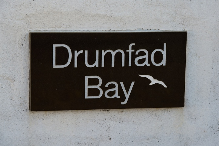 drumfad-bay-sign