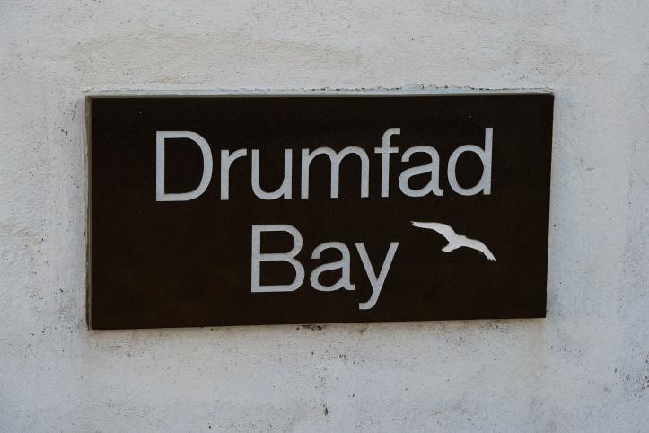 drumfad-bay-sign